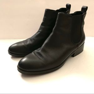 Cole Haan Landman Bootie Black Leather Sz 8 Ankle